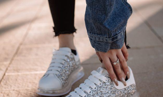 5 look con le sneakers che non vedrete l'ora di indossare, Scoprili con Noi
